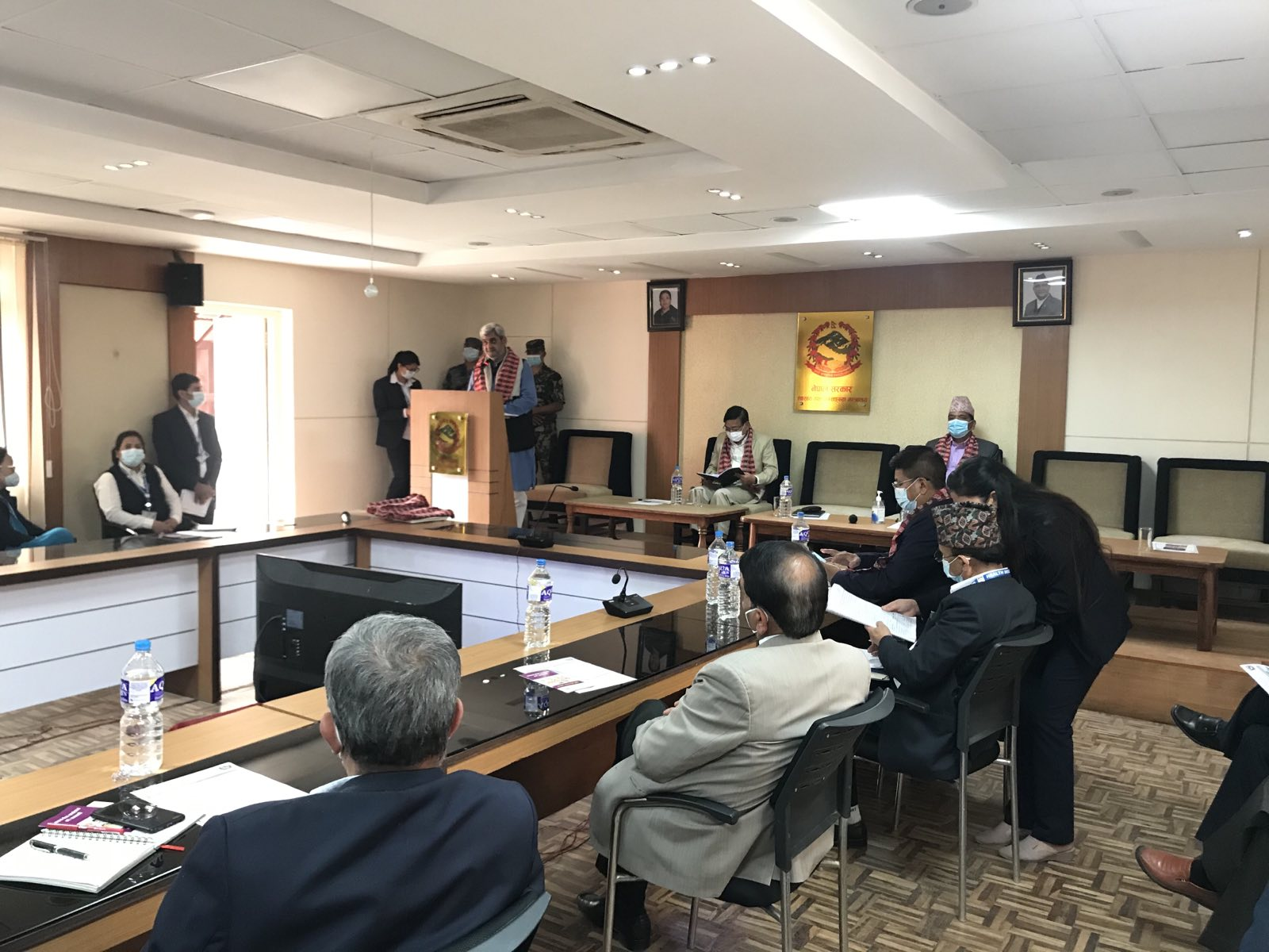 पाँचौ स्वास्थ्य बीमा दिवसको  उपलक्षयमा माननीय स्वास्थ्य तथा जनसंख्या मन्त्री श्री हृदयेश त्रिपाठी ज्यू  मन्तब्य राख्नु हुदै।